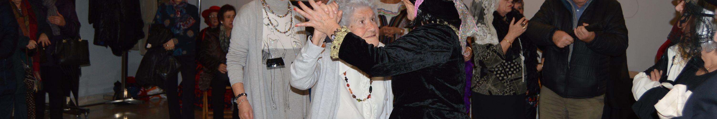 Isabel bailando